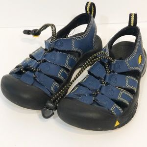 Keen Newport kids size 1 navy yellow sandal